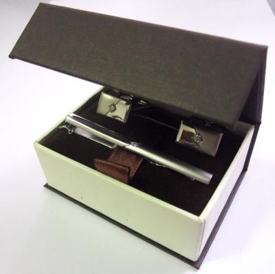 Серебряный зажим с фианитом арт. 131001 131001