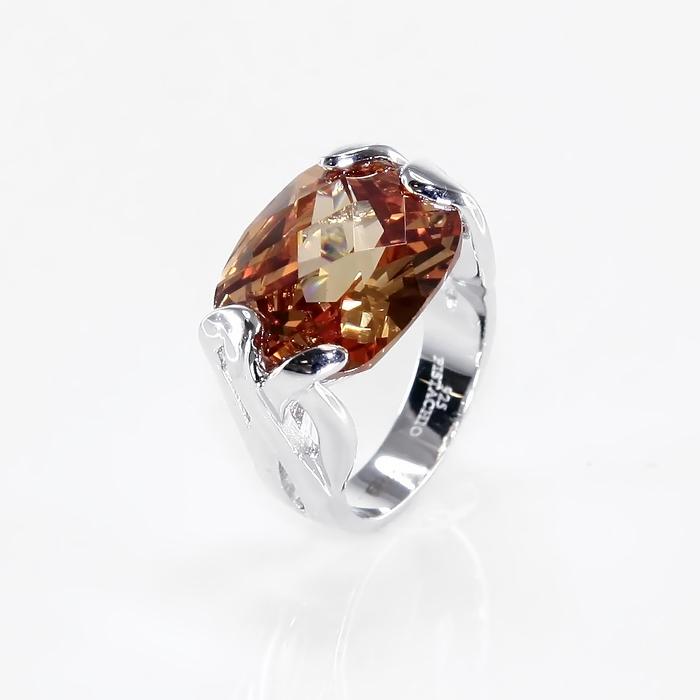 Серебряное кольцо Фианит арт. r904004b r904004b