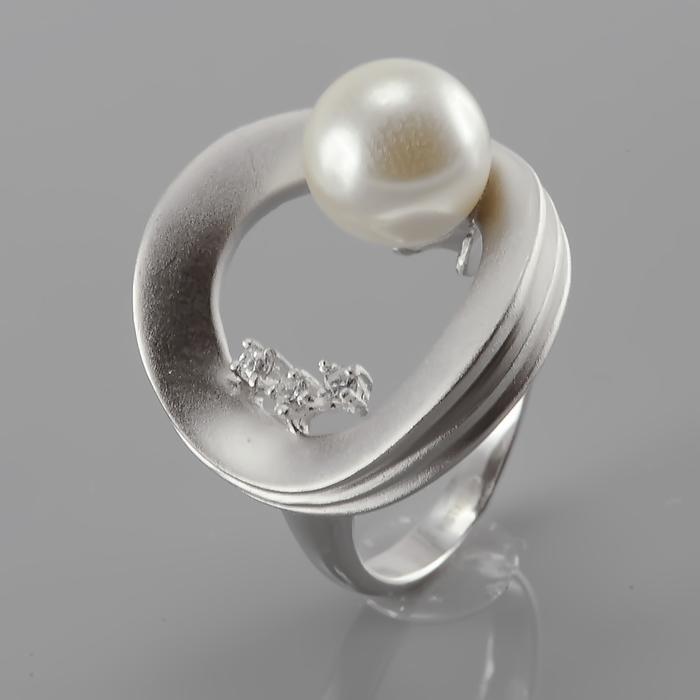 Серебряное кольцо Жемчуг и Фианит арт. r945553-1 r945553-1