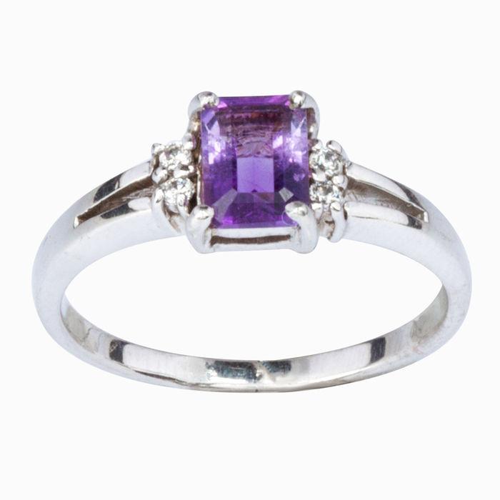 Серебряное кольцо Аметист и Фианит арт. 08484 08484