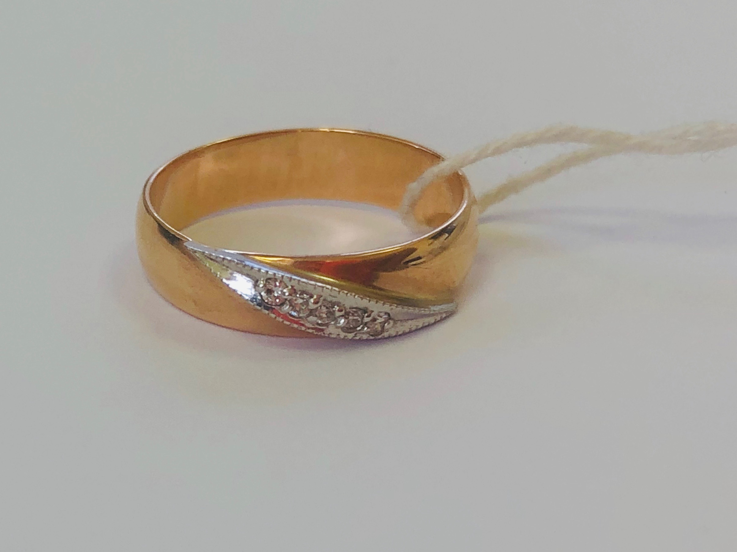 Обручальное кольцо из золота с бриллиантом арт. г2935 г2935