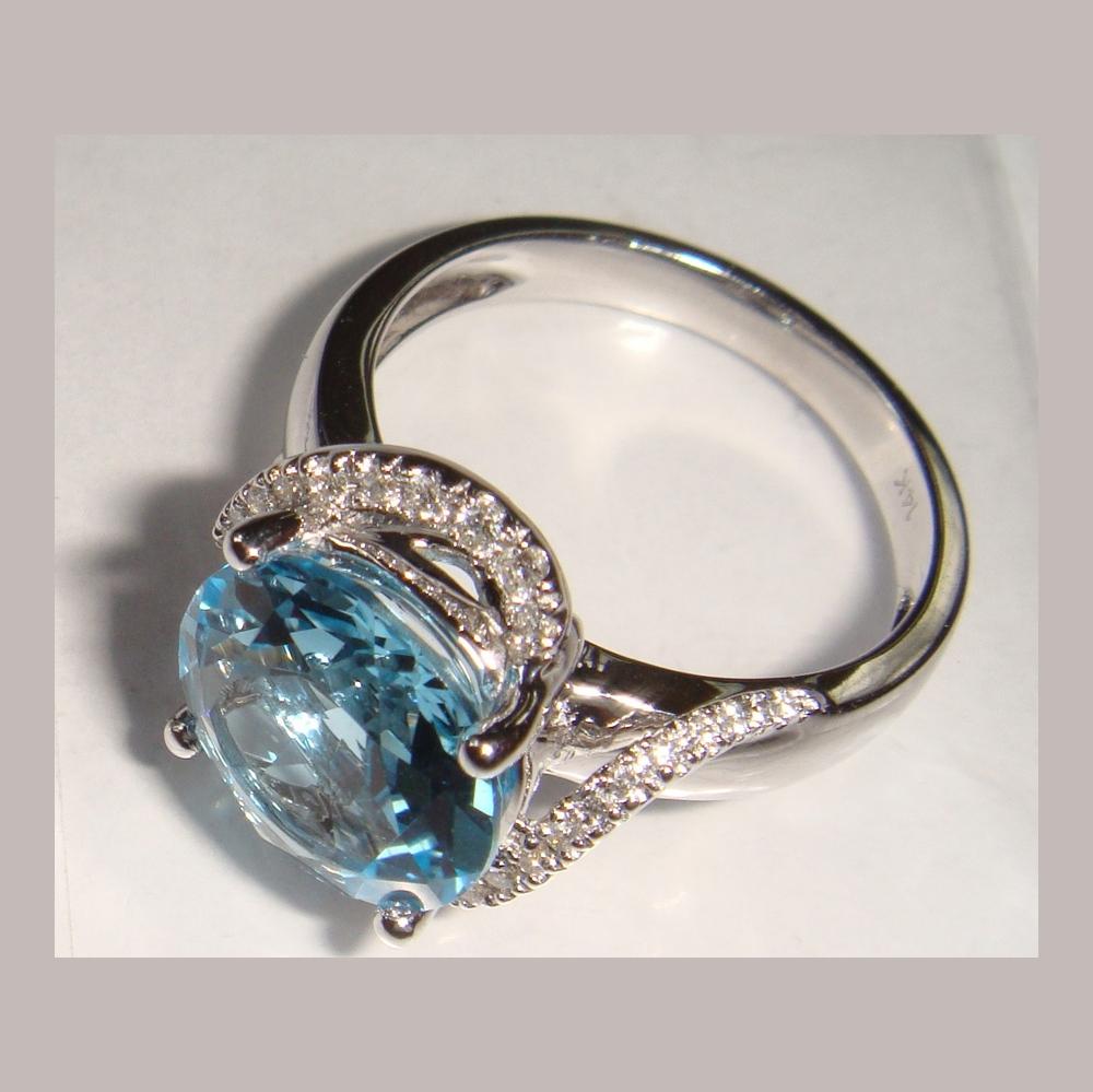 Серебряное кольцо Прочие и Фианит арт. я45600374 я45600374
