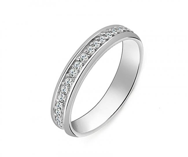 Обручальное кольцо из серебра с фианитом арт. с38-308кф-18.5 с38-308кф-18.5