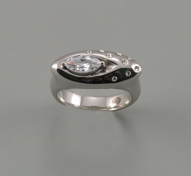 Серебряное кольцо Фианит арт. 08004к-17.5 08004к-17.5