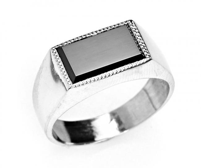 Серебряная печатка с фианитом Фианит арт. в3-089кф-21.5 в3-089кф-21.5